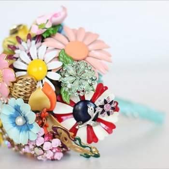 Brooch Bouquet by Fantasy Floral Designs