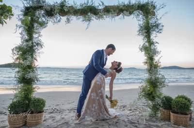 Destination wedding de Renata & André: pé na areia na beira da praia de Florianópolis!