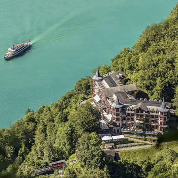 Grandhotel Giessbach von oben. Foto: Schweiz Tourismus Rent a Hotel