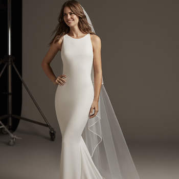 Bellatrix-B, Pronovias