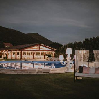 Villa Lea: I gazebo esterni, ampi e confortevoli, permettono di organizzare all'aperto una parte o l'intero ricevimento, anche quello più numeroso.