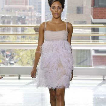 Vestido de novia corto, estilo vintage acabado con hilos