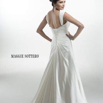 """<a href=""""http://www.maggiesottero.com/dress.aspx?style=4MS024"""" target=""""_blank"""">Maggie Sottero Platinum 2015</a>"""