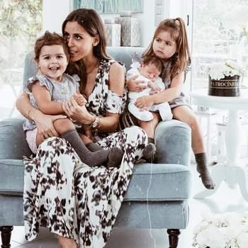 A bebé veio juntar-se a Diana, de quatro anos, e Frederica, de dois. | Foto via Instagram @carolinapatrocinio