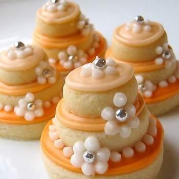 O laranja é uma cor alegre e pode ser aproveitada para decorar casamentos em qualquer estação do ano. Veja estas inspirações que separamos para que sua decoração fique linda.