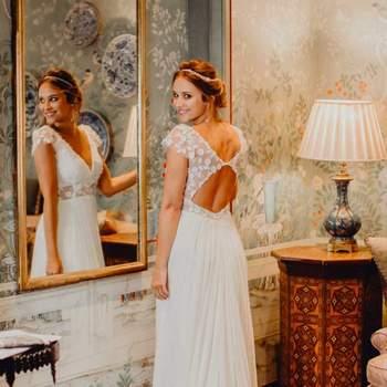 Robe de mariée romantique en dentelle modèle Zoé - Crédit photo: Elsa Gary