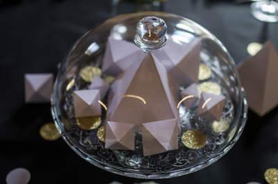 Shooting d'inpiration Origami : soyez créatifs et impressionnez les invités de votre mariage!
