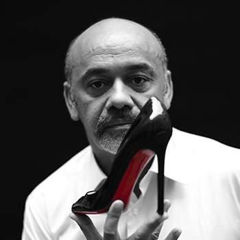"""""""Sapatos são apenas um pedestal. O que me interessa mais é o poder que as mulheres que os usam têm"""" - Christian Louboutin"""
