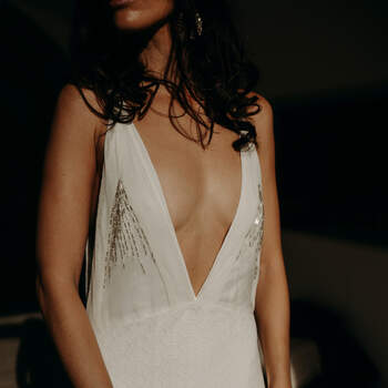 Photo : Béatrice de Guigné - Robe Emannuelle Junqueira   - Santa Majia