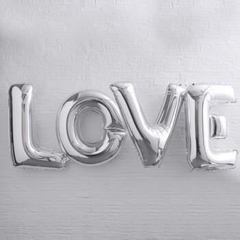 Globo letras LOVE plateadas- Compra en The Wedding Shop