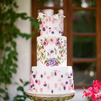 Inspiração para bolos de casamento originais que são verdadeiras obras de arte | Créditos: Braedon Flynn Photography