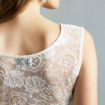 Ruby ivory long detail