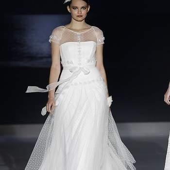 Ravissant modèle Jesus Peiro 2013. Photo : Barcelona Bridal Week