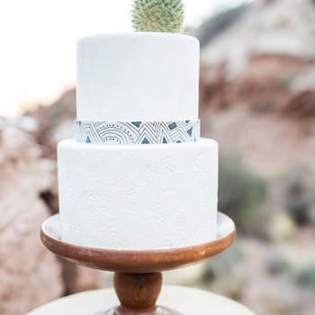 Inspiração para bolos de casamento simples, mas fabulosos! | Créditos: Hazel Lace Photography