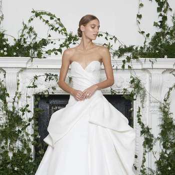 Créditos: Barron, Monique Lhuillier