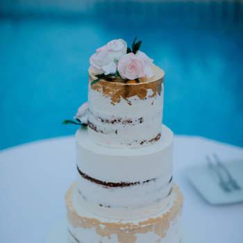 Os naked cakes continuam a ser uma opção de bolos de casamento muito procurada pelos noivos | Créditos: The Cake Shop - Cake Design by Sónia Marreiros