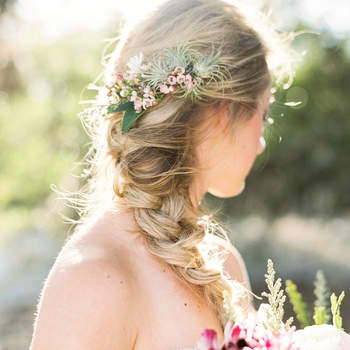 Penteado para noiva com trança   Credits: Loft Photography