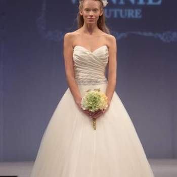 Escolher o vestido de noiva ideal não é tarefa fácil e se você busca inspirações para encontrar o seu, não deixe de ver estes modelos de Winnie Couture.