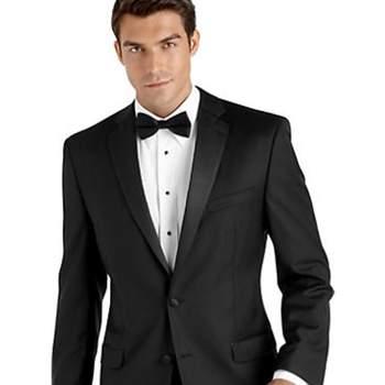 Foto de Tuxedo Calvin Klein para novio, $599.99USD