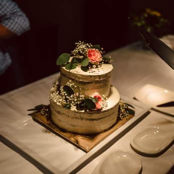 Foto: Hochzeitsfieber by Photo-Schomburg / Torte: Willis Wonderful Cakes