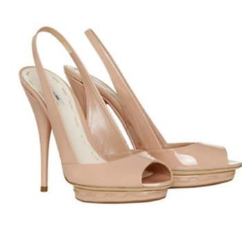 Chaussures Miu-Miu de couleur nude et à hauts talons