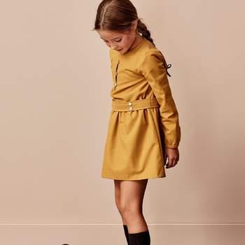 Vestido mostaza. Credits: Bonnet a Pompon