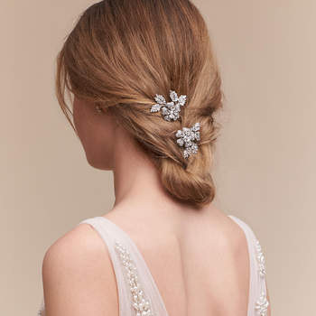 Petunia Hair Clips. Crédits: Bhldn.