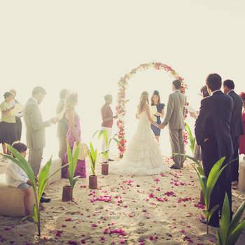 Espectacular imagen de una boda en la playa. Foto: Fran Russo.