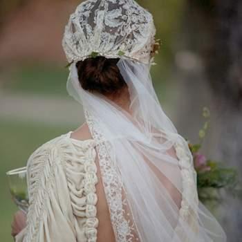 Um design muito original: destaque para os tecidos não convencionais, como o veludo ou a cambraia bordada! Foto: Rai Robledo Fotografía