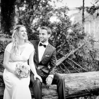 Ich heisse Nadine Trolp und wohne in der Umgebung von St. Gallen. Als erfahrene Hochzeitsfotografin ist es mir ein Anliegen, dem Hochzeitspaar und deren Gästen ein entspanntes Klima zu schaffen, damit natürliche und authentische Bilder entstehen können.   Jede Hochzeit ist so individuell und einzigartig wie das Paar selber und erzählt eine eigene, lebendige Geschichte. Genau so lebendig sind auch meine Reportagen, sie widerspiegeln die Gefühle und die besonderen Augenblicke des Tages in seiner ganzen Vielseitigkeit.  Ich freue mich auf ein gegenseitiges kennenlernen und darüber ein kleiner Teil Ihrer Geschichte sein zu dürfen.
