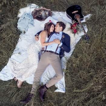 Foto: Nele Hochzeitsfotografie / Fliege: BeWooden