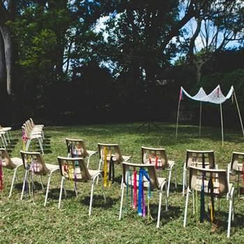 La útima tendencia entre los famosos son las bodas en sus propios jardines. No te quedes atrás y planea tu boda al aire libre. Aquí algunas ideas para la decoración de tu boda. Foto de Green Wedding Shoes