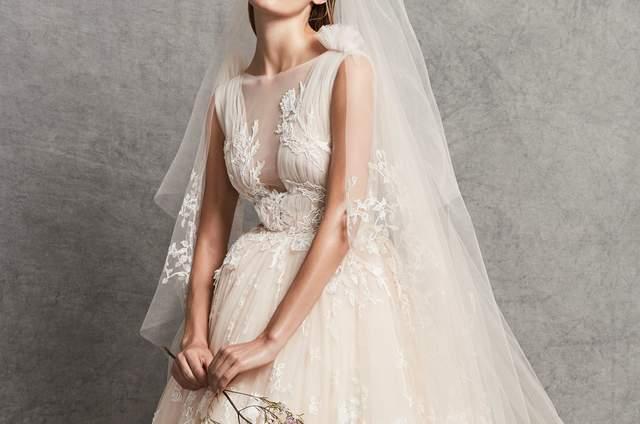 Scopri i 100 abiti da sposa 2019 più belli delle ultime collezioni a599fe2c6e0
