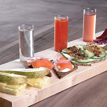 """Una cena romántica en su restaurante preferido es otra gran idea de regalo para los recién casados. Foto: <a href=""""https://www.zankyou.es/f/zonaregalocom-23780"""" target=""""_blank"""">Zonaregalo.com</a>"""