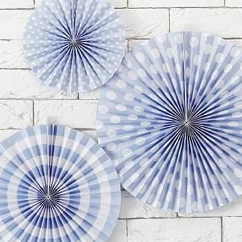 Petites Roses Décoratives Bleu Claires Et Blanches 3 Pièces - The Wedding Shop !