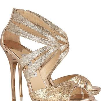 Sandales dorées Jimmy Choo. Photo : Net-a-Porter