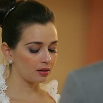 Registro da emoção da noiva. Casamento de Leda e João em 31 de março de 2012.