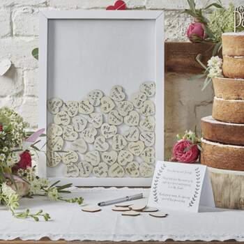 Livre D'or Cadre Avec Coeurs En Bois - The Wedding Shop !