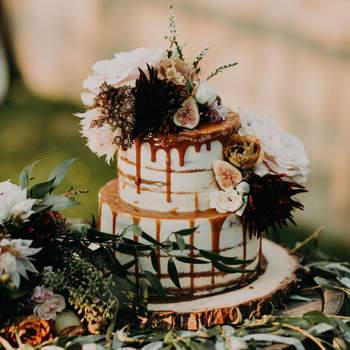 Drip Cakes: já ouviu falar? São bolos de casamento de darem água na boca! | Créditos: Emily Magers Photography