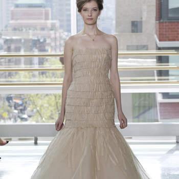 Vestido de novia color nude, corte sirena con corsé elástico.