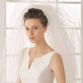 """O véu é um dos complementos mais importantes do look de toda noiva. E, assim como o vestido, deve ser lindo e impecável. Por isto, inspire-se nestes modelos da Rosa Clará.  <a href=""""http://zankyou.9nl.de/ijc8"""" target=""""_blank"""">Descubra a nova colecção 2015 de Rosa Clará</a>"""