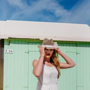 Crédit photo : Blondie Confettis Couronne de fleurs  : Ziz & Clo Headband et Bijoux : Les Dissonances Modèle : Fanny