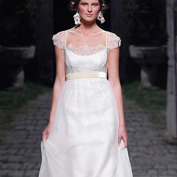 Vestido romántico con manguita y escote redondo, de Victorio y Lucchino. Foto: Barcelona Bridal Week