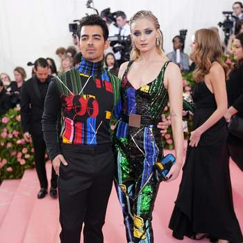 Sohpie Turner et Joe Jonas en Louis Vuitton. Credits: Cordon Press
