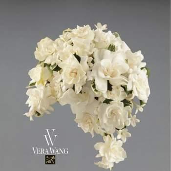 Acá te presentamos unos encantadores ramos de novia diseñados por la reconocida Vera Wang, que destacan por su simpleza y sus bellos tonos pasteles. Además podrás ver delicadas flores como peonías y tradicionales rosas, en femeninos colores. Foto: FTD Flowers