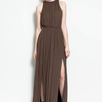 Ultra élégante et raffinée cette robe Zara ! Plissée et fendue à l'avant, elle a beaucoup d'allure. Photo : www.zara.com