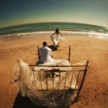 """Jugar con los encuadres te dará unas fotos de boda diferentes. Foto: <a href=""""https://www.zankyou.es/f/jm-photoemotion-11527"""" target=""""_blank"""">JM Photoemotion</a>"""