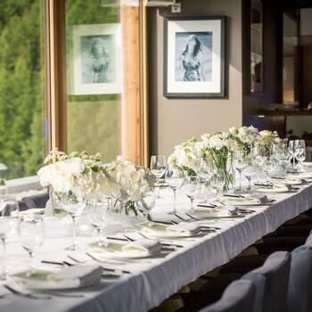 Hochzeit in Nira Alpina - Rooftop Bar. Foto: Schweiz Tourismus Rent a Hotel
