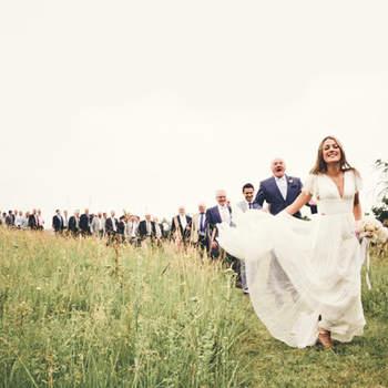 A propos du photographe : Mamazelle c'est Melissa Lenoir, artiste photographe spécialisée dans le mariage et l'enfance. Venue du milieu artistique et graphique, elle voit le monde moderne tout en poésie pour les rêveurs et les amoureux de la vie.  Si cette photo est selon vous, LA PLUS BELLE PHOTO DE MARIAGE, laissez un commentaire ci-dessous en indiquant le n°29