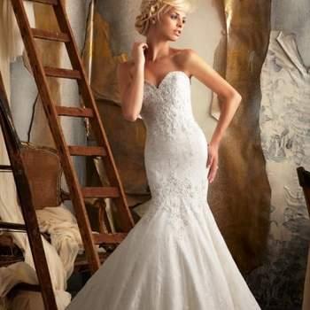 O vestido de noiva ideal deve combinar com o estilo e personalidade da noiva. E se você gosta de vestidos encorpados, estilo sereia, veja estes modelos da coleção 2013 de Mori Lee.